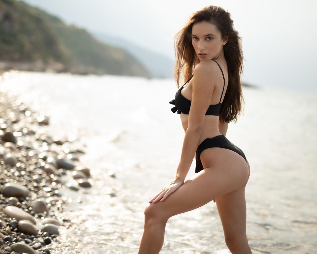 gloria sol, women, black bikini, sea, women outdoors, ass, skinny