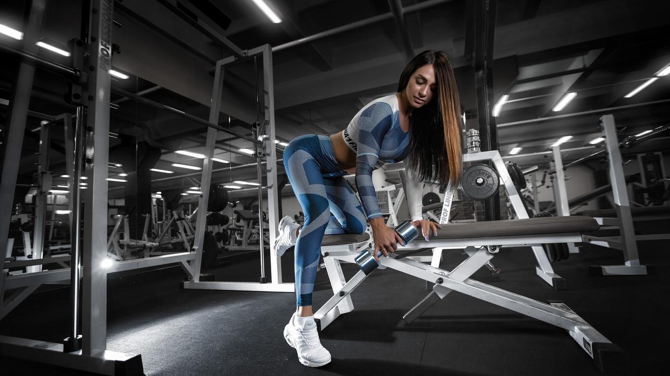 фитнес, спортзал, тренировка, гантели, спорт