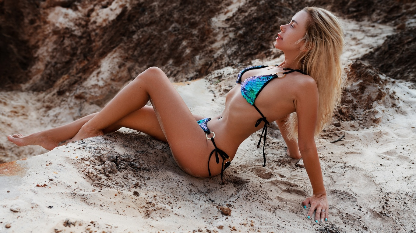 women, brunette, belly, pierced navel, bikini, sand, ribs, sitting, blonde, women outdoors, sand covered, pierced nose