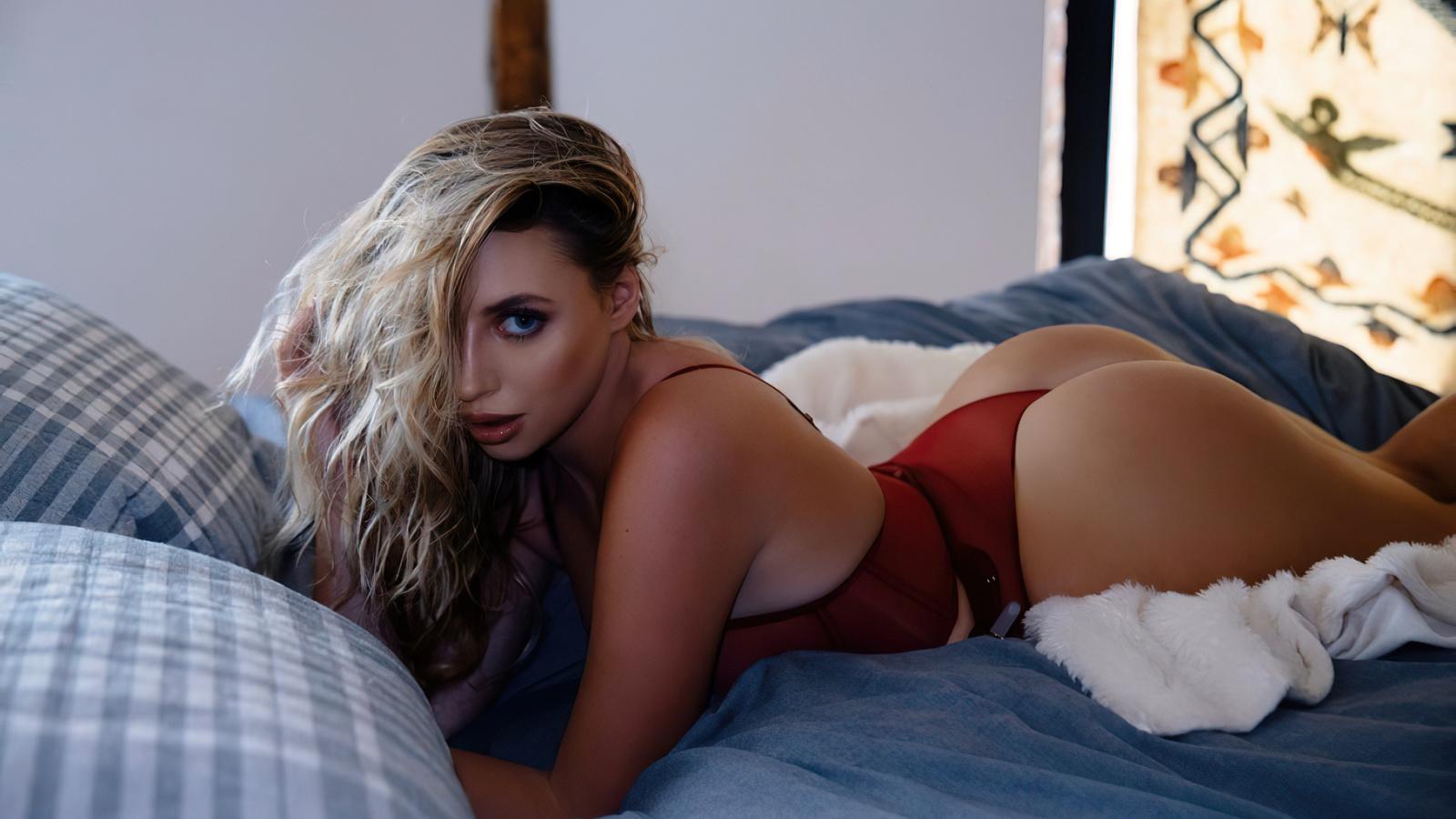 blonde, sexy, model, cute, hot, pretty, bed, panties, window, bra, lingerie, ass, perfect