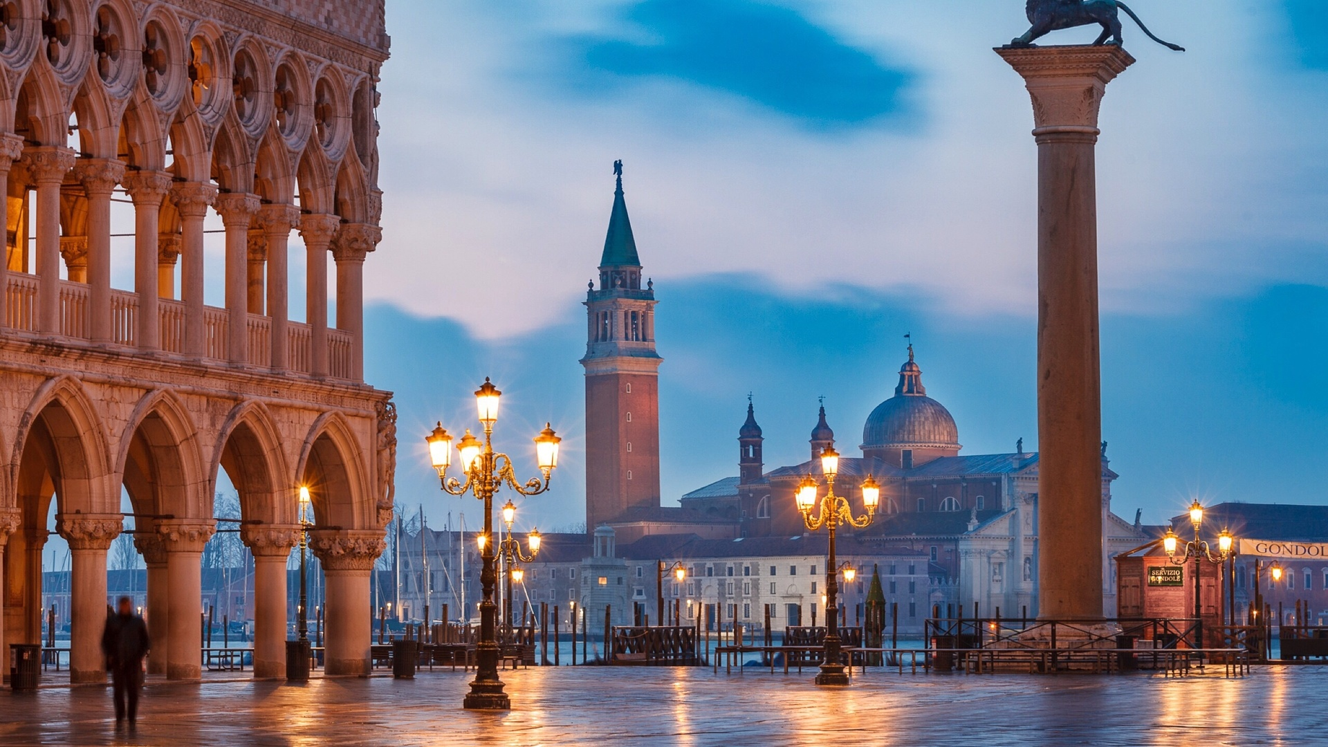 город, здания, утро, освещение, площадь, фонари, италия, венеция, собор, башни, колонны