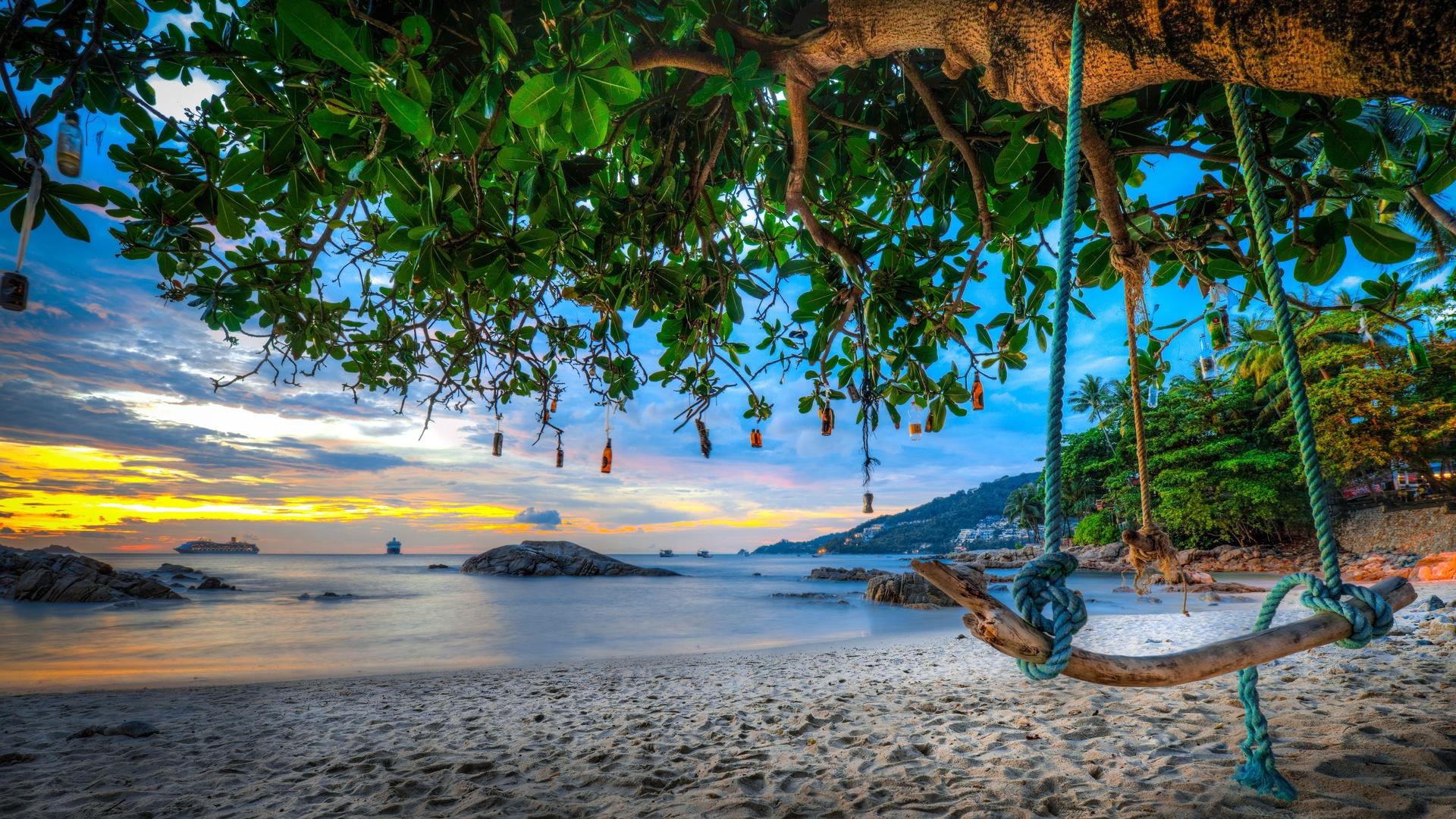 природа, пейзаж, песок, море, пляж, деревья, качели, скалы, валуны, побережье, бутылки, тайланд, патонг