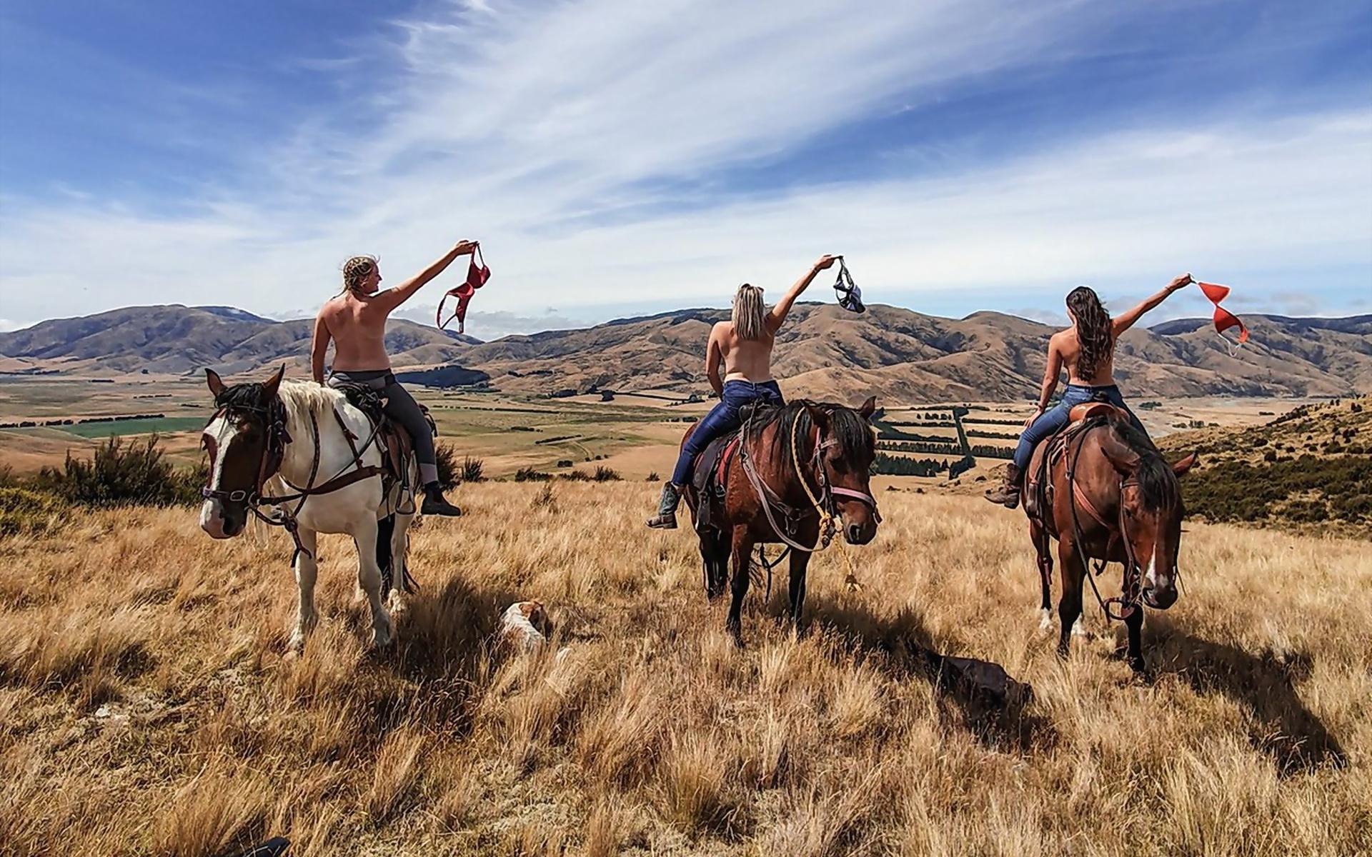 девушки, лошади, степь, небо, природа, люди