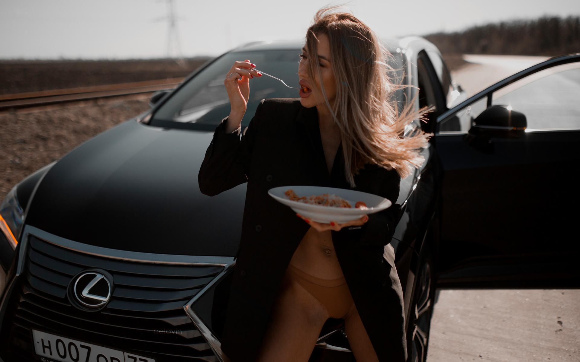 women, alexander belavin, red nails, coats, fork, panties, car, women outdoors, open mouth, food, women with cars, belly, brunette