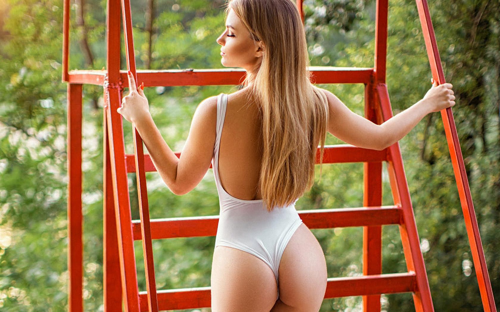 сергей шишлов, проф фото, девушка,модель,хороша,позирует,вид сзади,боди,фигурка,попка,секси,улица,природа,конструкция