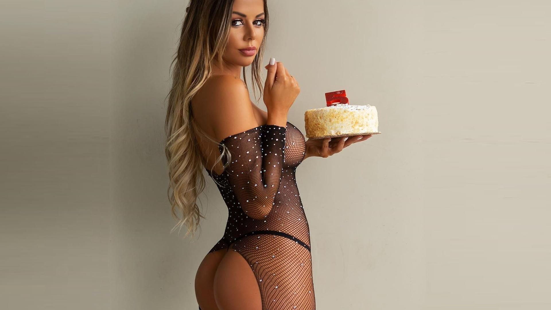 julianne kissinger, девушка, модель, торт