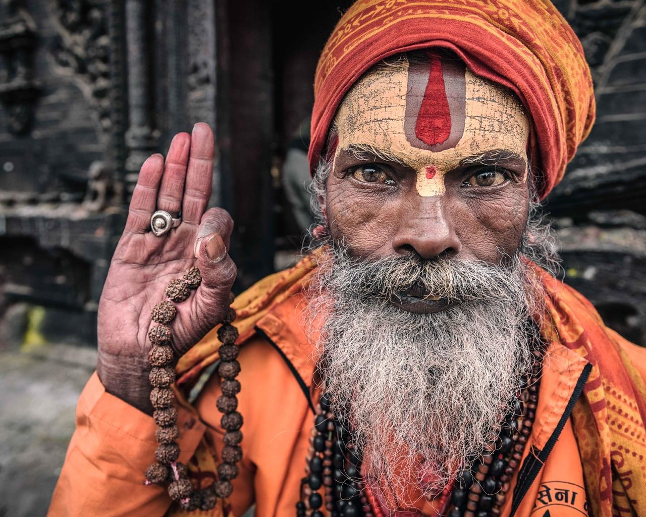 nepal, kathmandu, portrait of a sadhu, старик, руки, борода, лицо, текстуры