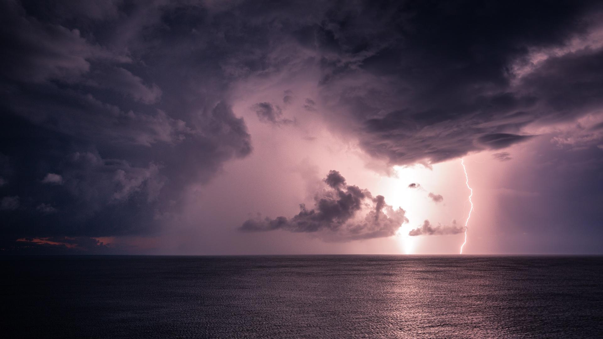 молния, море, горизонт, тучи
