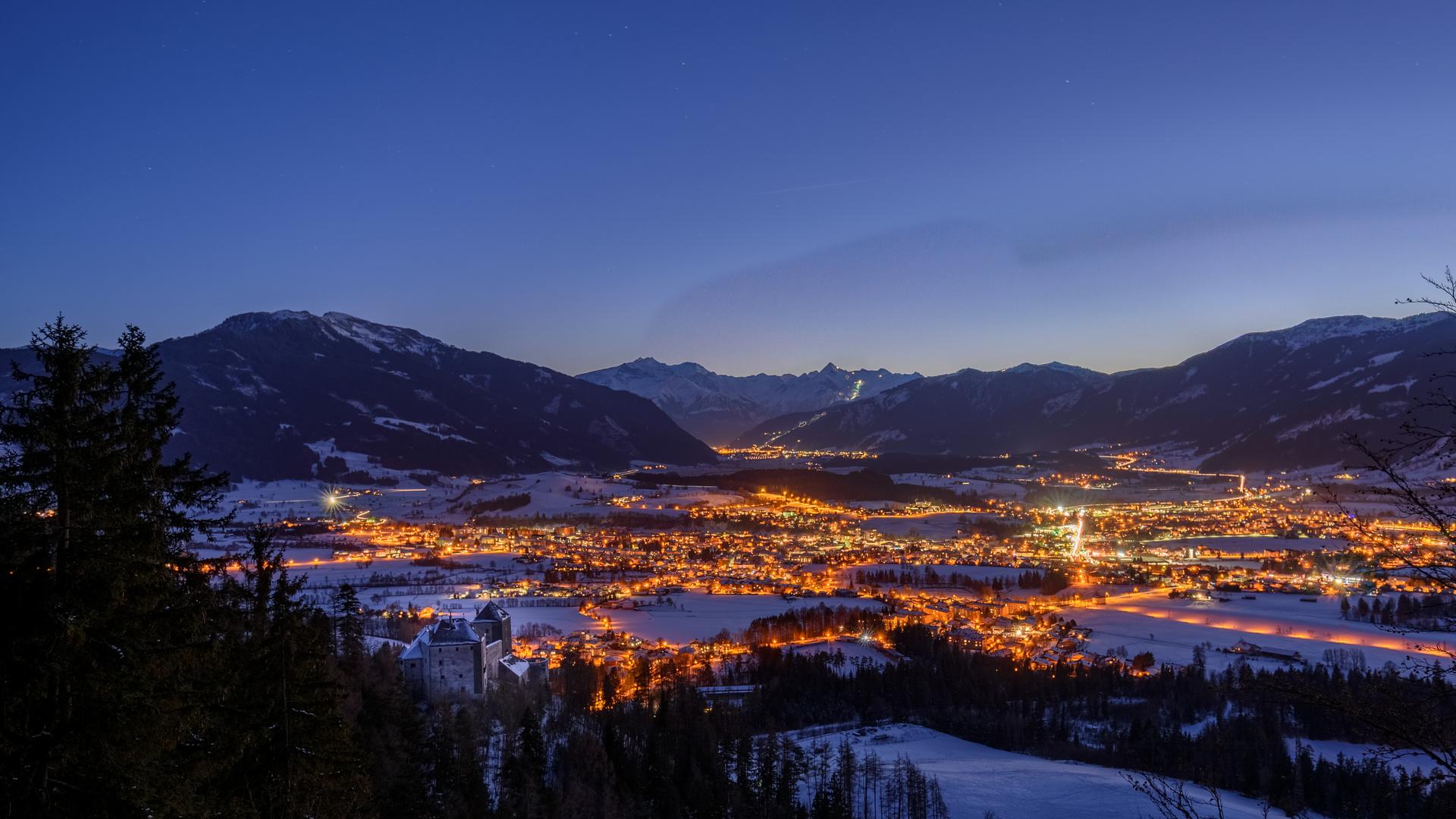 горы, город, огни, снег