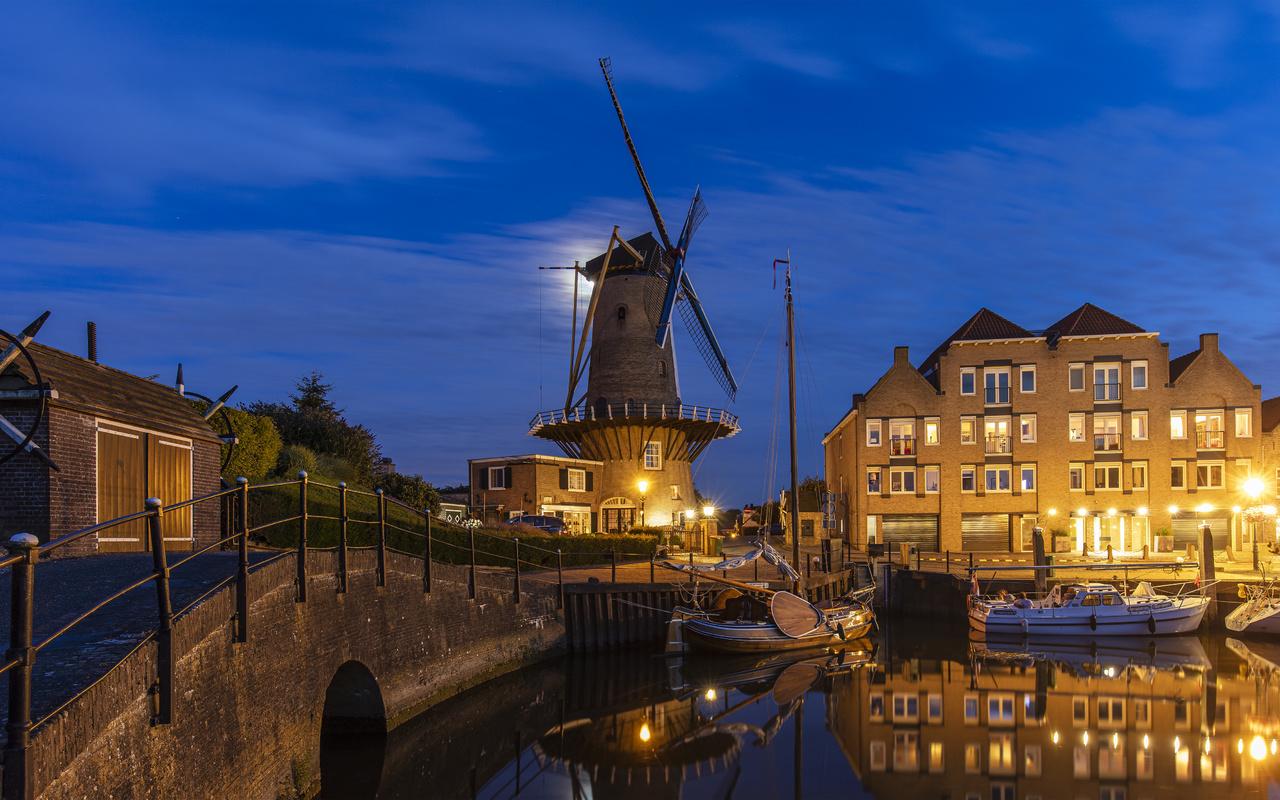 ночь, мост, город, здания, дома, лодки, освещение, мельница, нидерланды, гавань, виллемстад