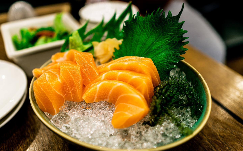 сашими, лосось, икра, зелень, япония