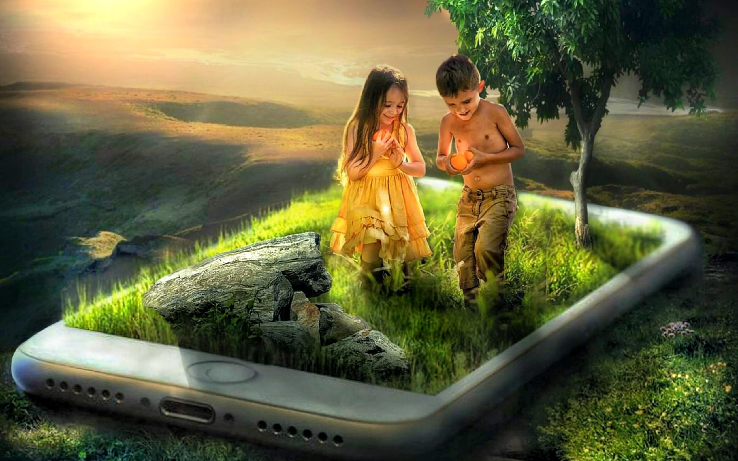 смартфон, дети, трава, дерево, фотомонтаж