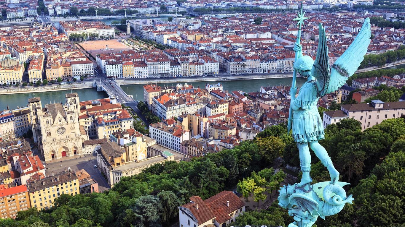 франция, дома, скульптуры, ангелы, lyon, сверху, крылья, город