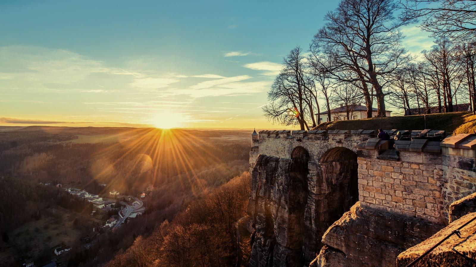 стена, горизонт, замок, закат, лучи, солнечные лучи