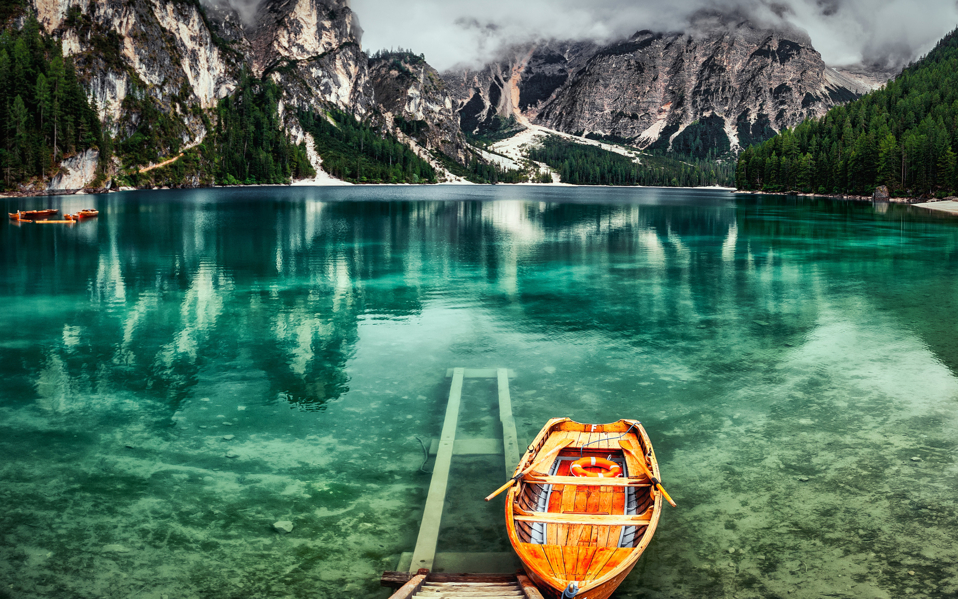 облака, пейзаж, горы, природа, озеро, лодки, альпы, италия, леса, брайес, alexandr bezmolitvenny