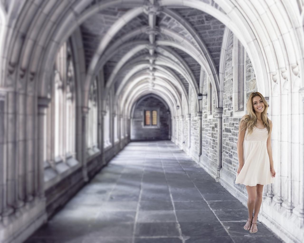 женщина, коридор