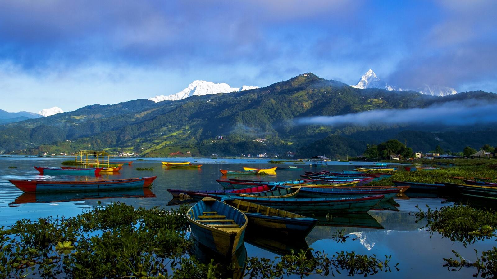 непал, горы, река, лодки