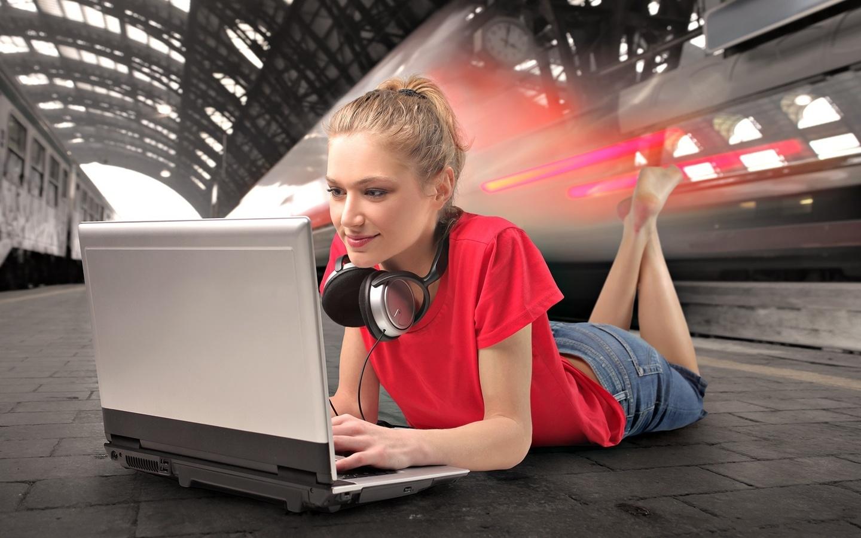 http://www.nastol.com.ua/download.php?img=201106/1440x900/nastol.com.ua-5580.jpg