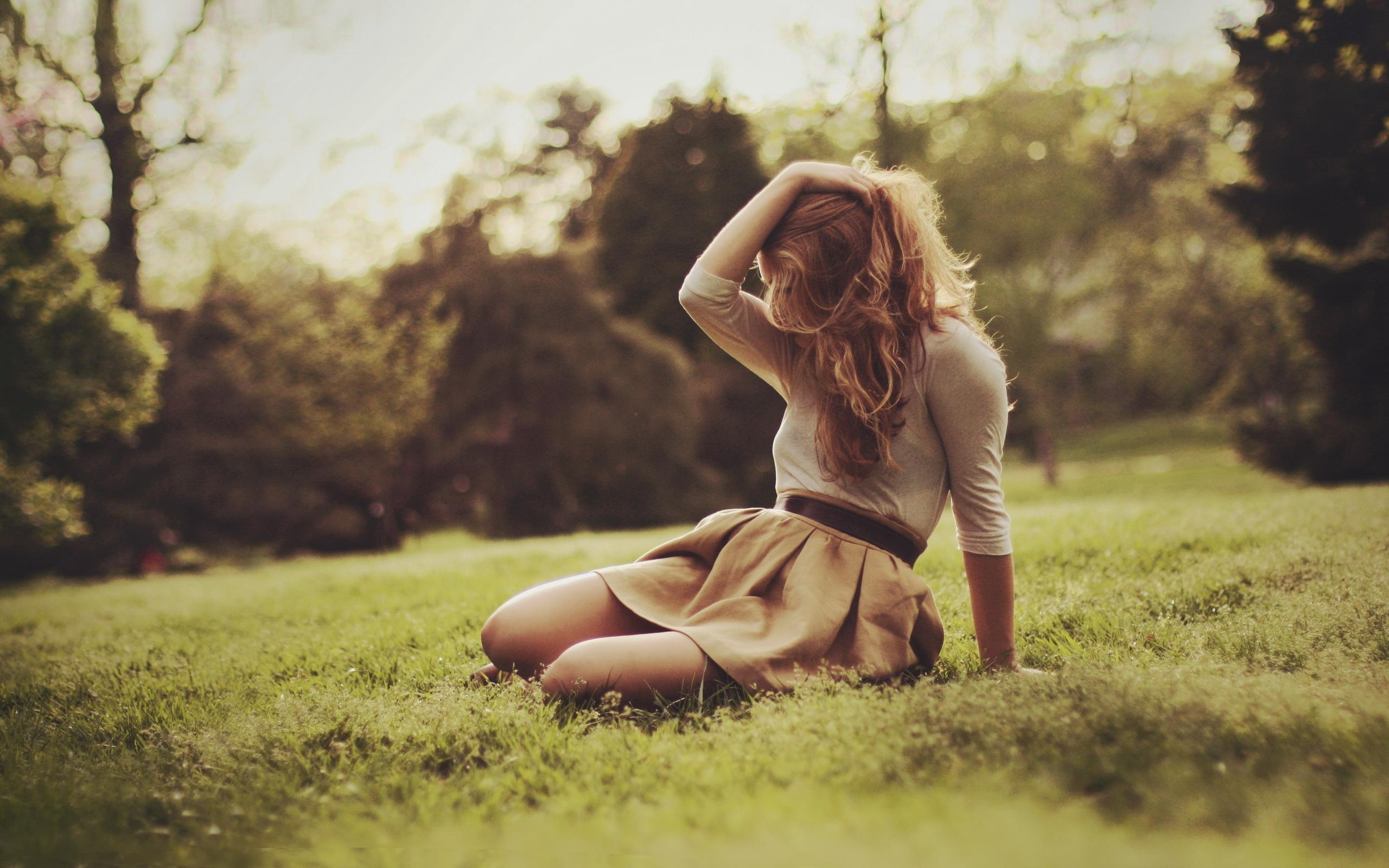 Фото девушки со спины в одежде 22 фотография