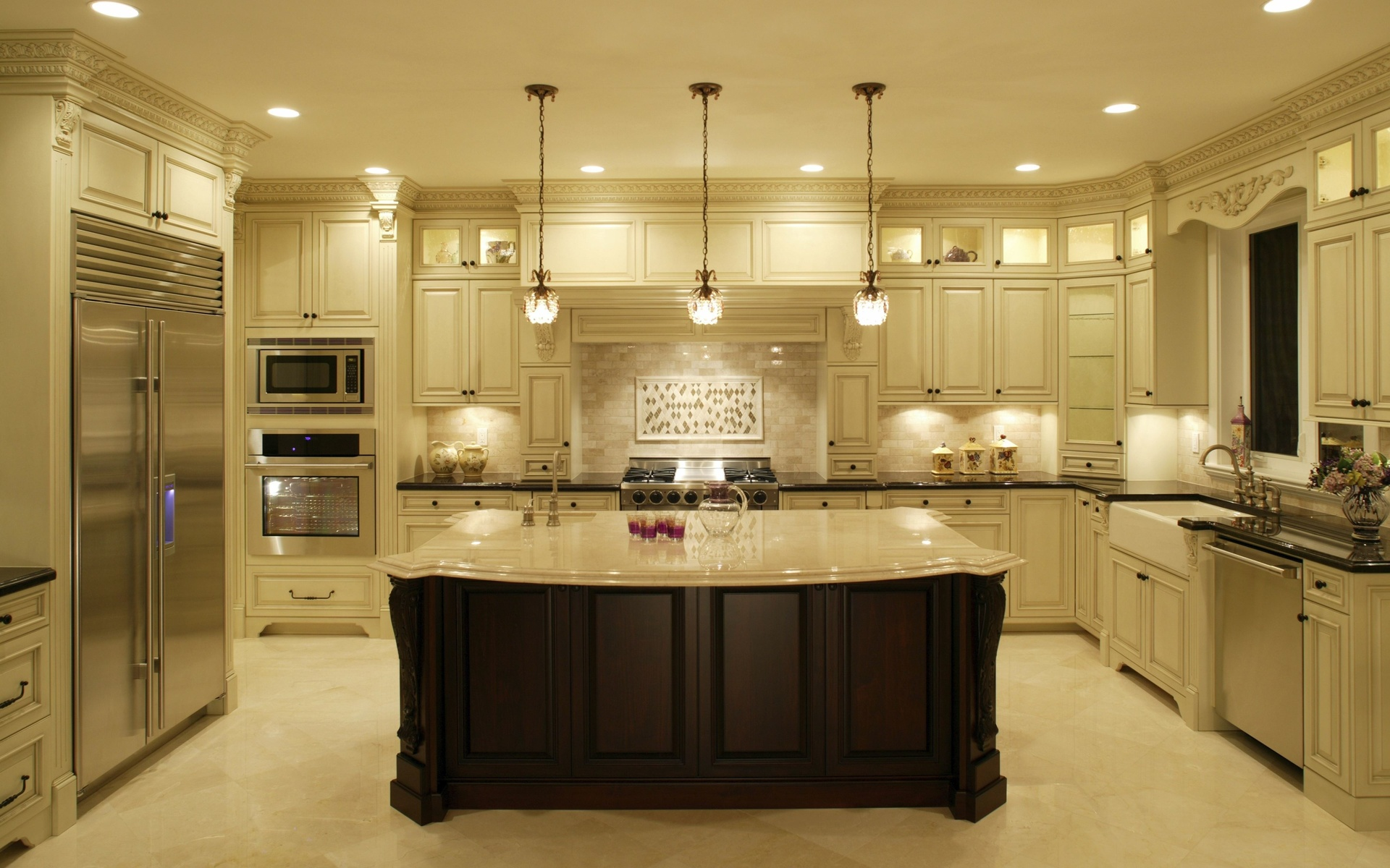 Фото большой кухни