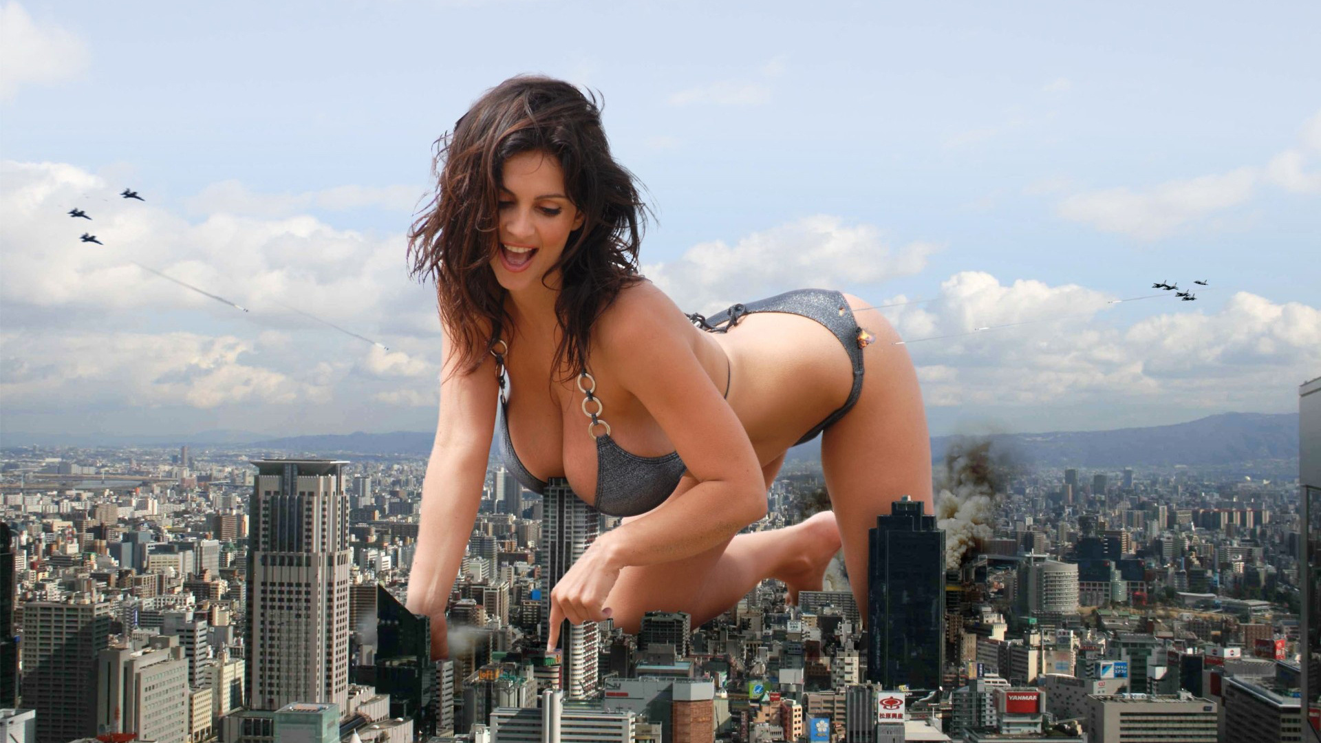 Giantess nude in the city exposed photos