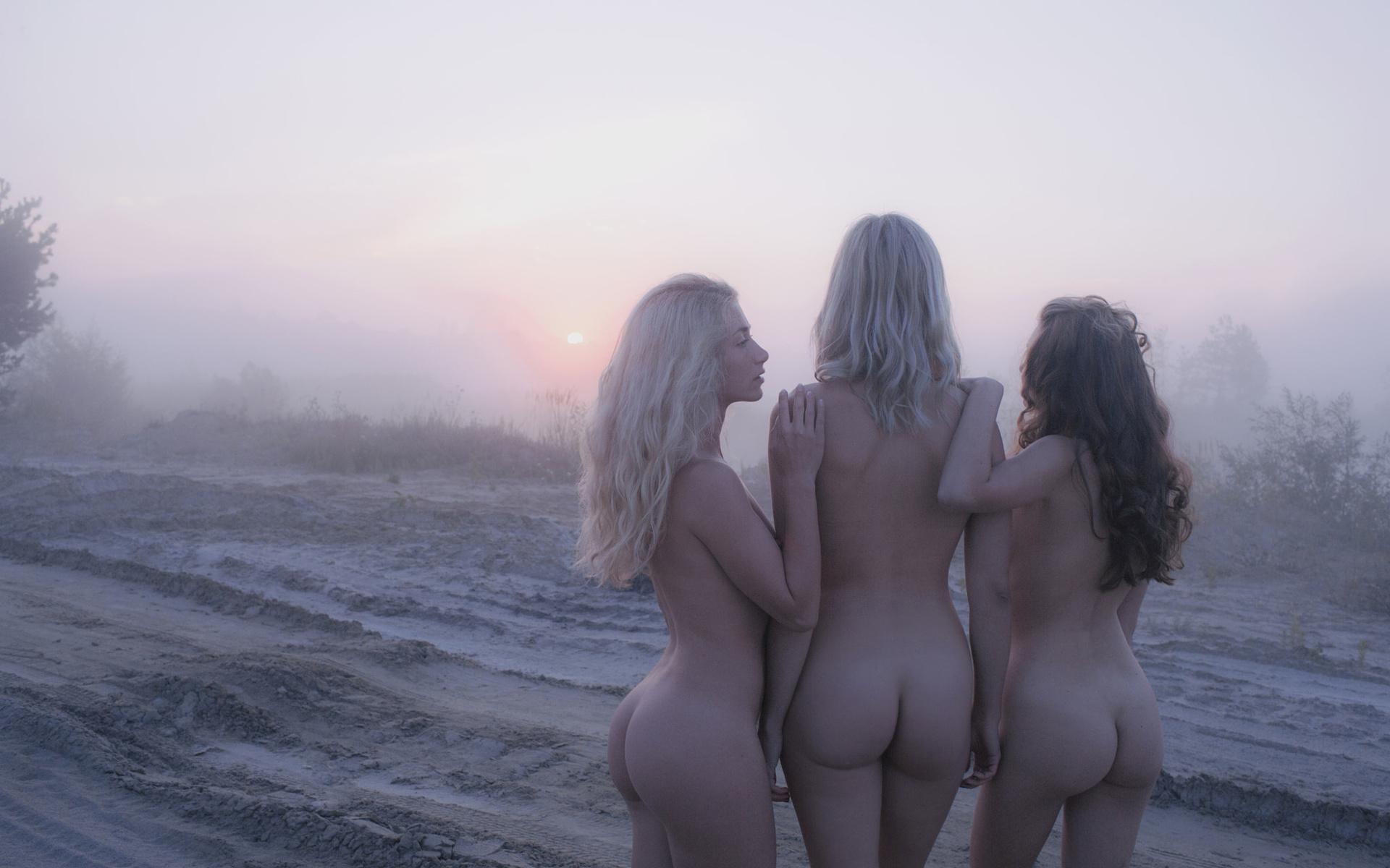 Смотреть лучшую эротику голых девушек на фото онлайн и без СМС