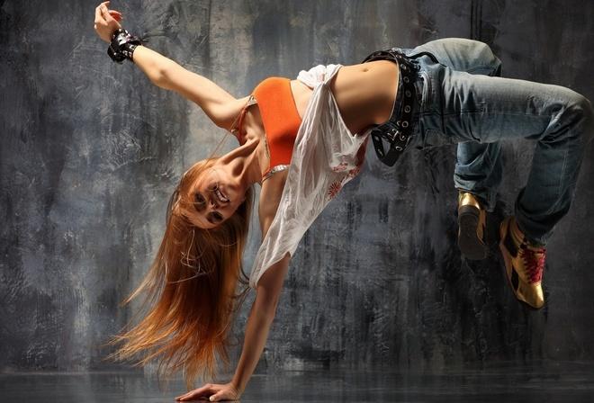 в ритме танца, плоский животик, хип- хоп стиль