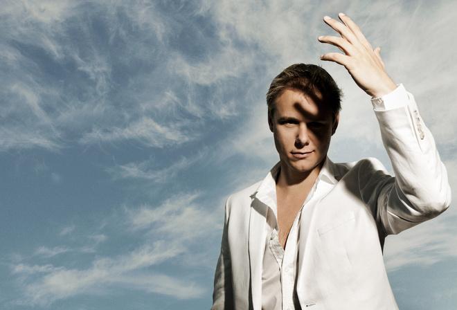 мужчина, Армин Ван Бюрен, жест, небо, белый костюм