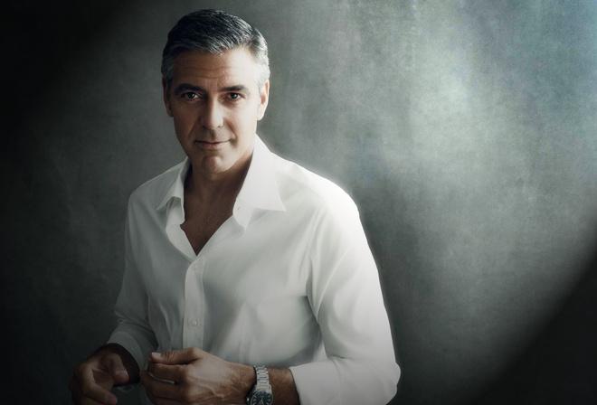 Джордж Клуни, актер, белая рубашка, ролекс, седина, взгляд