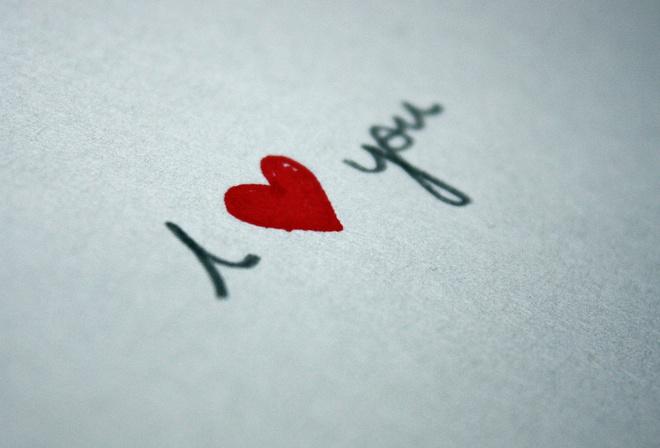 Обои надпись, я люблю тебя, рисунок сердечко, лист бумаги на ...
