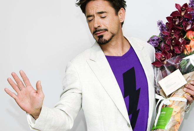 Actor, flowers, актер, robert downey jr, роберт дауни-младший, цветы