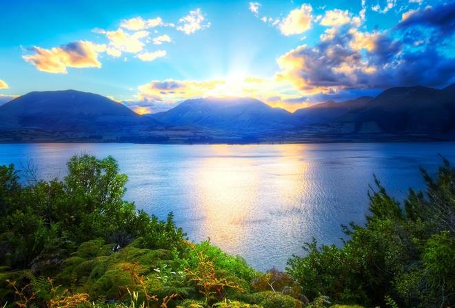 Обои горы озеро вода природа зелень