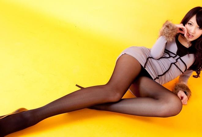 фото длинноногих красавиц в нижнем белье чулках и каблуках