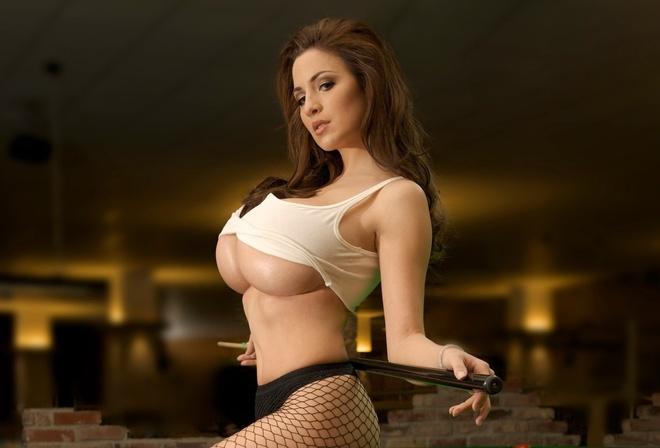 смотреть фото женщин с большой грудью бесплатно