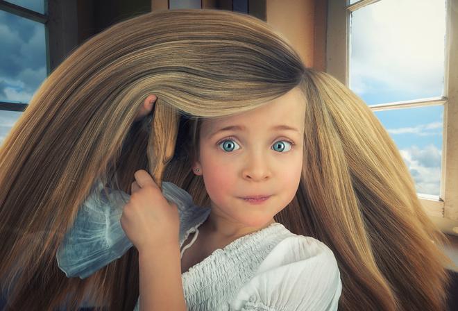 Девочка с русыми волосами фото