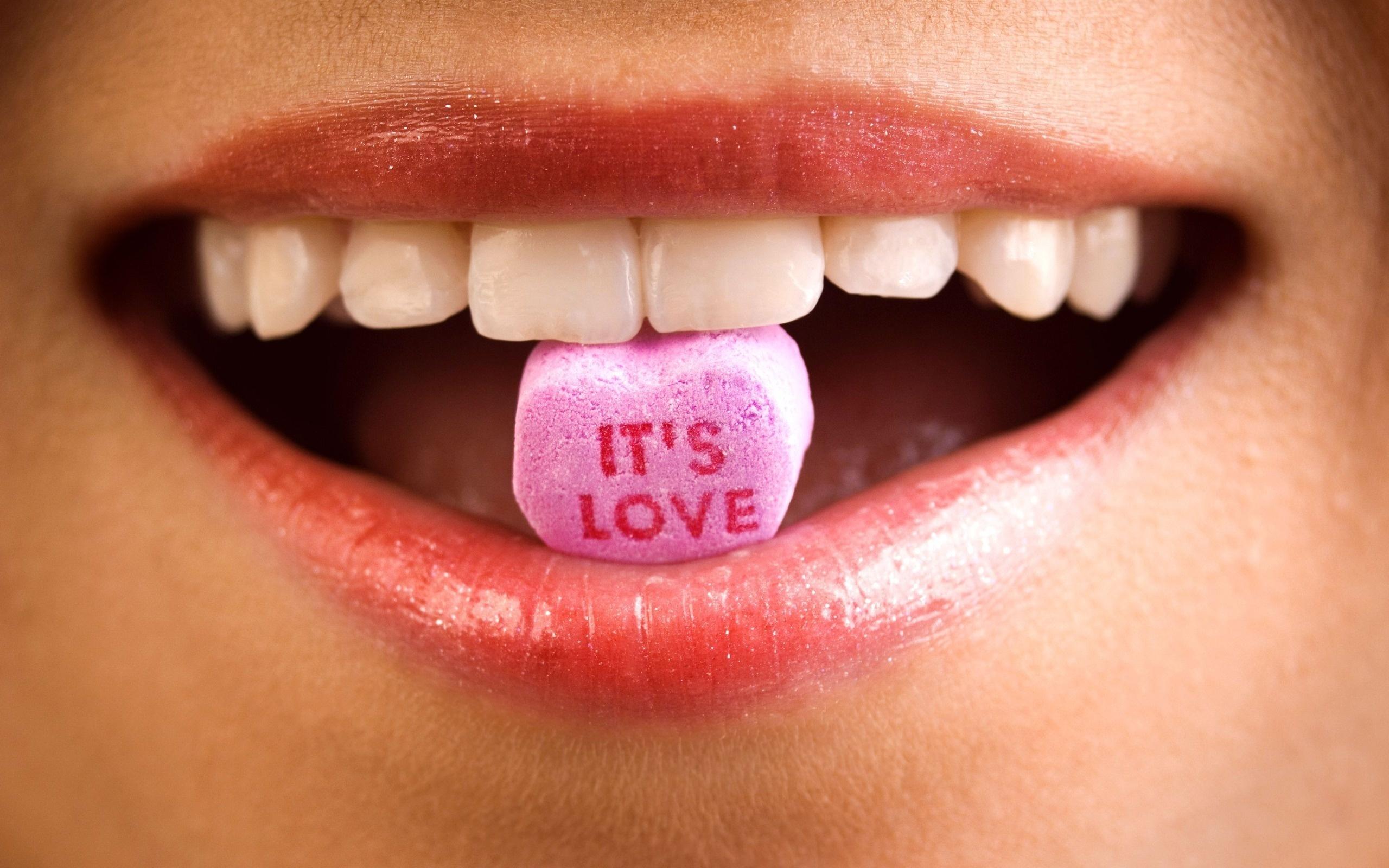 это любовь, губы, улыбка, зубы, эмоция