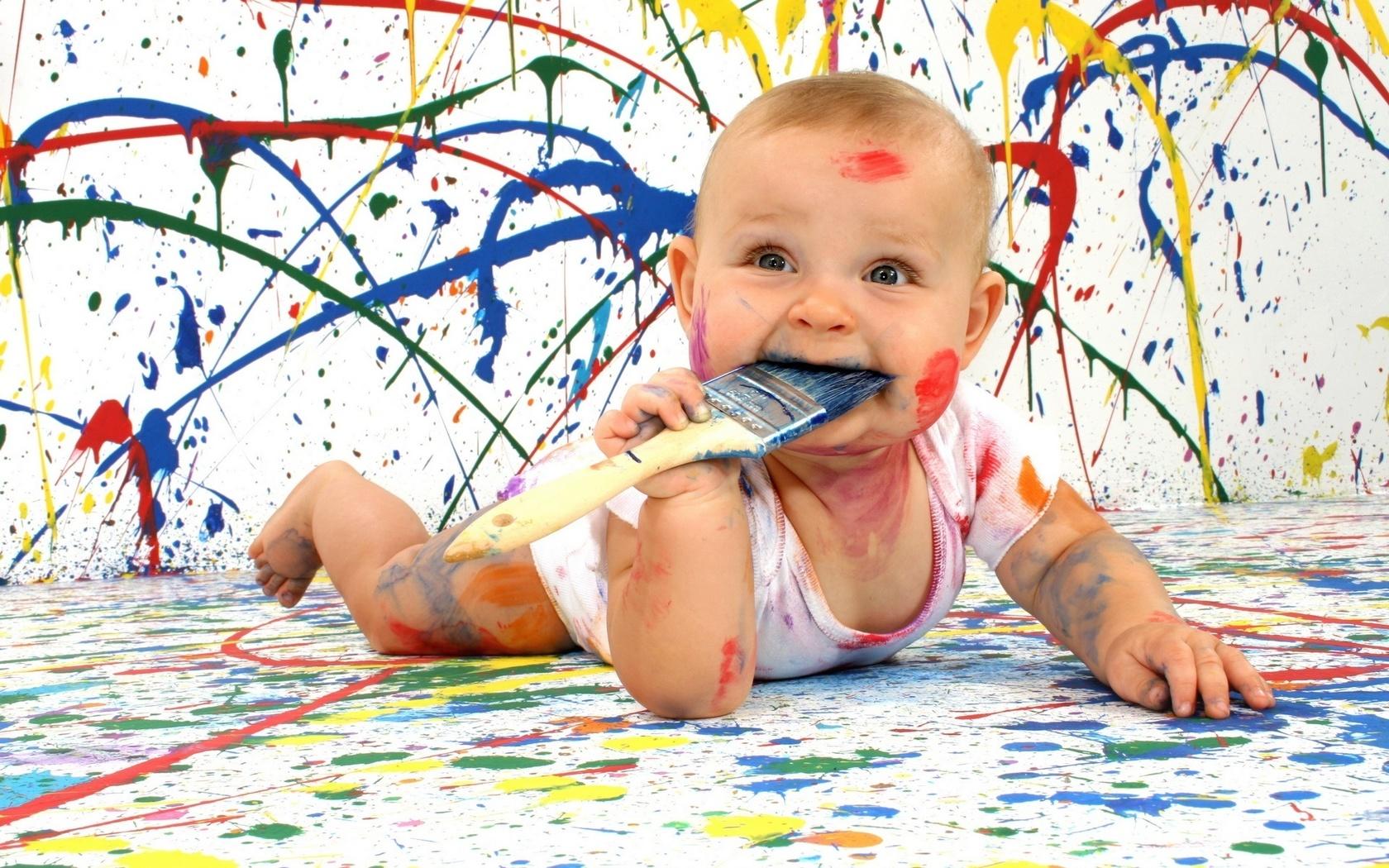 Çocuk memnun ve mutlu çocuklar fotoğraf 1680x1050 çocuklar