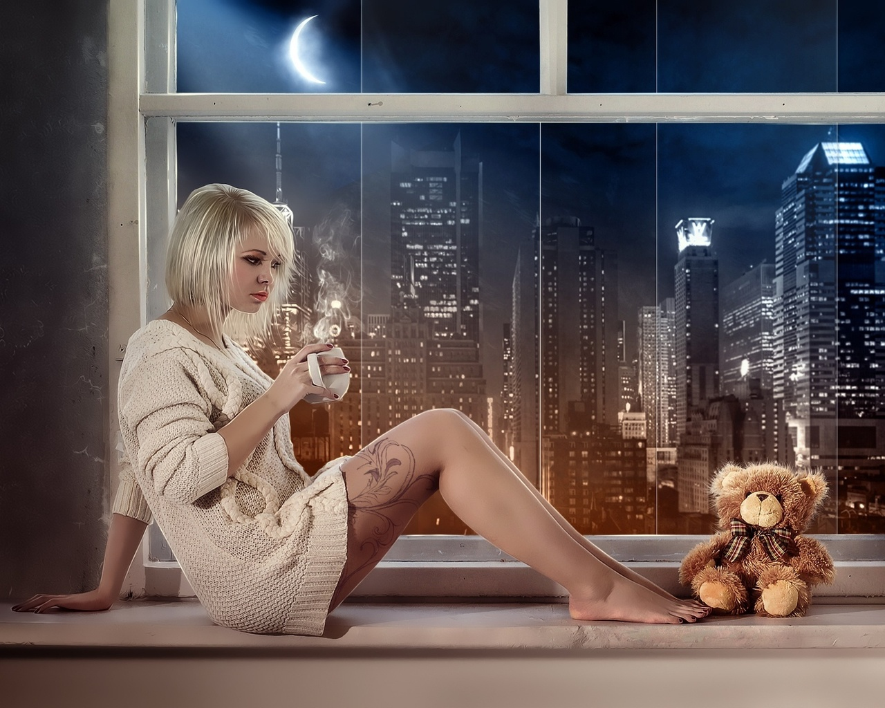 Светловолосая девушка в меховых сапогах 13 фотография