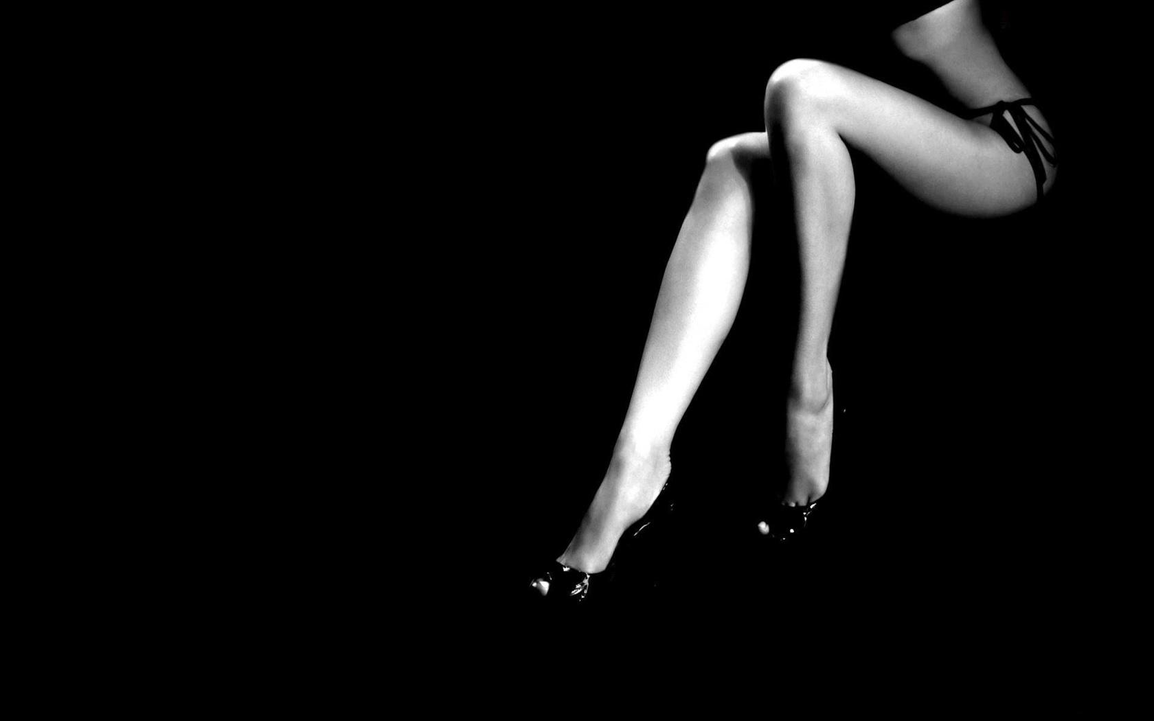 Векторный клипарт Женские ноги » AllGraf