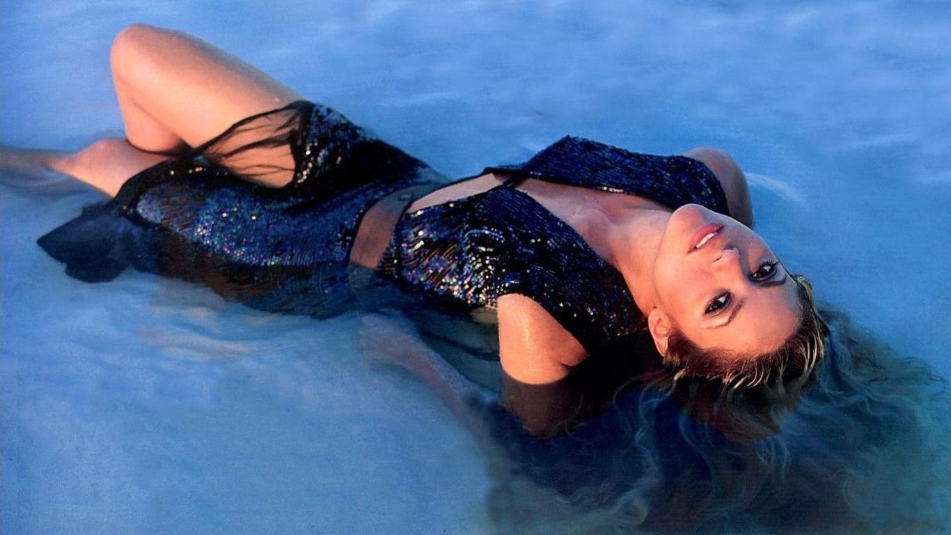 Съёмки под водой голые девочки 8 фотография