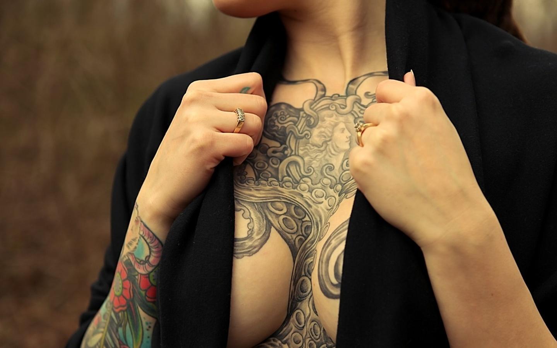 Татуировки на сиськах hd 3 фотография