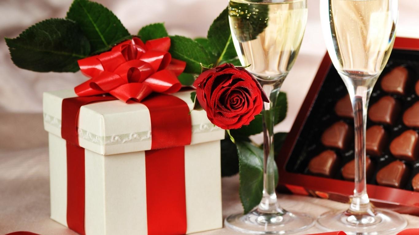 Картинки шампанское два бокала цветы фрукты