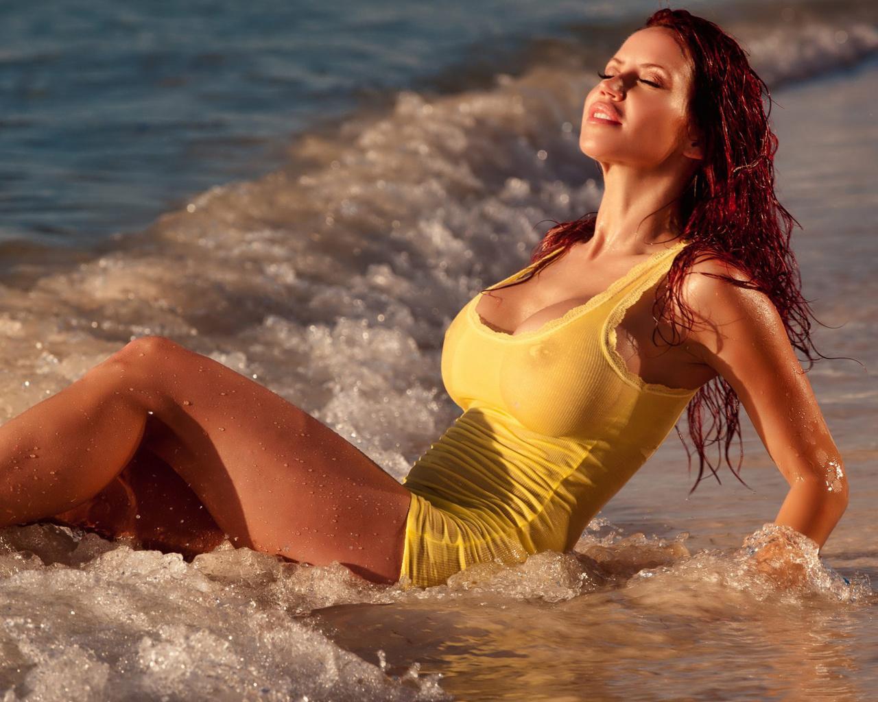 фото мокрые красивые девушки