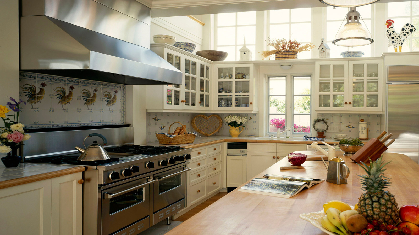 Интерьер большой кухни фото