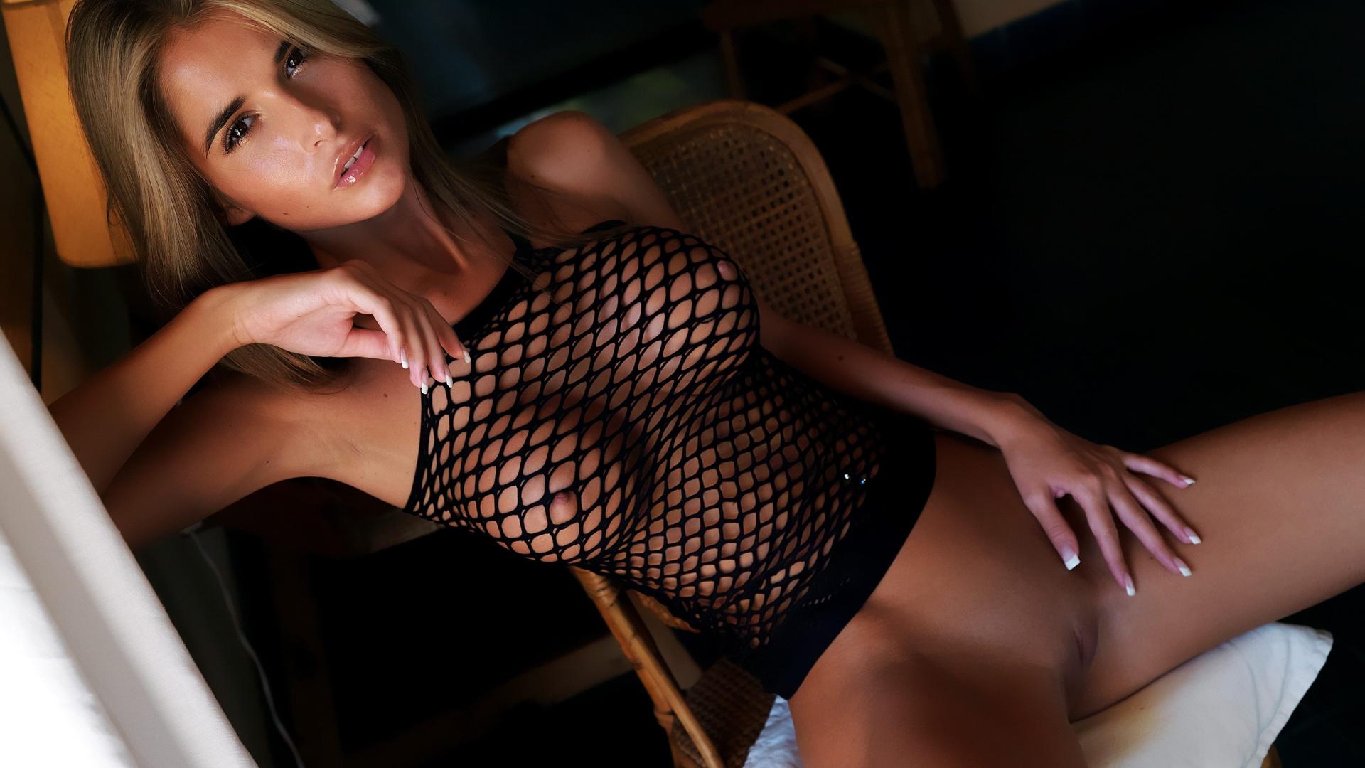 Секс девушка с лифчиком и трусиками 18 фотография