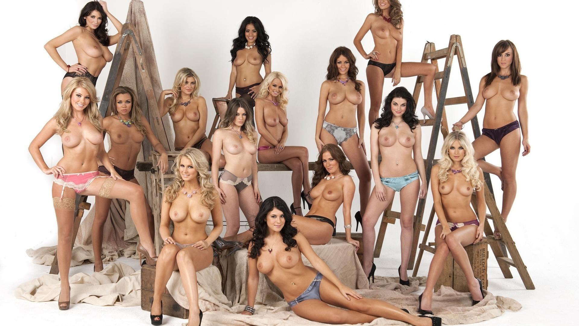 Строй голых девушек 24 фотография