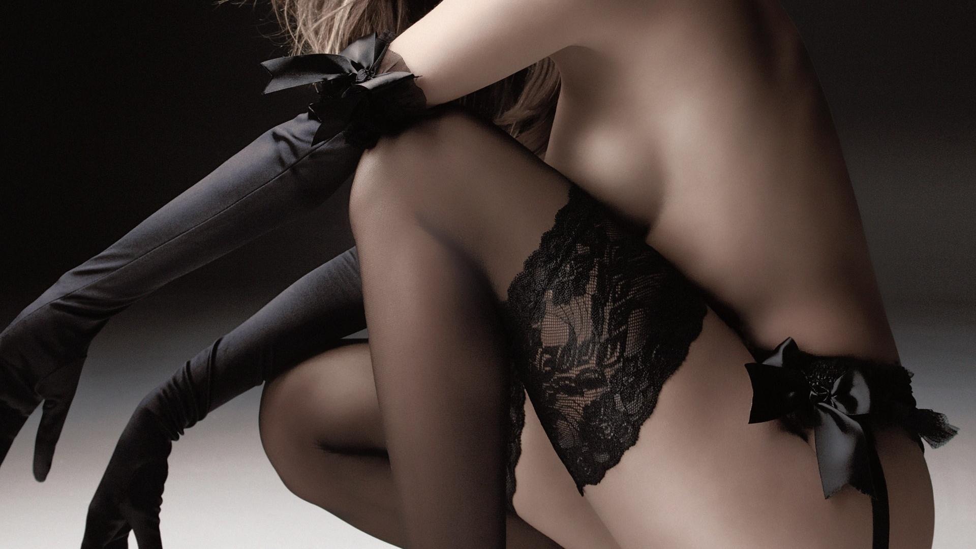 Эротика женщины в чёрном 13 фотография