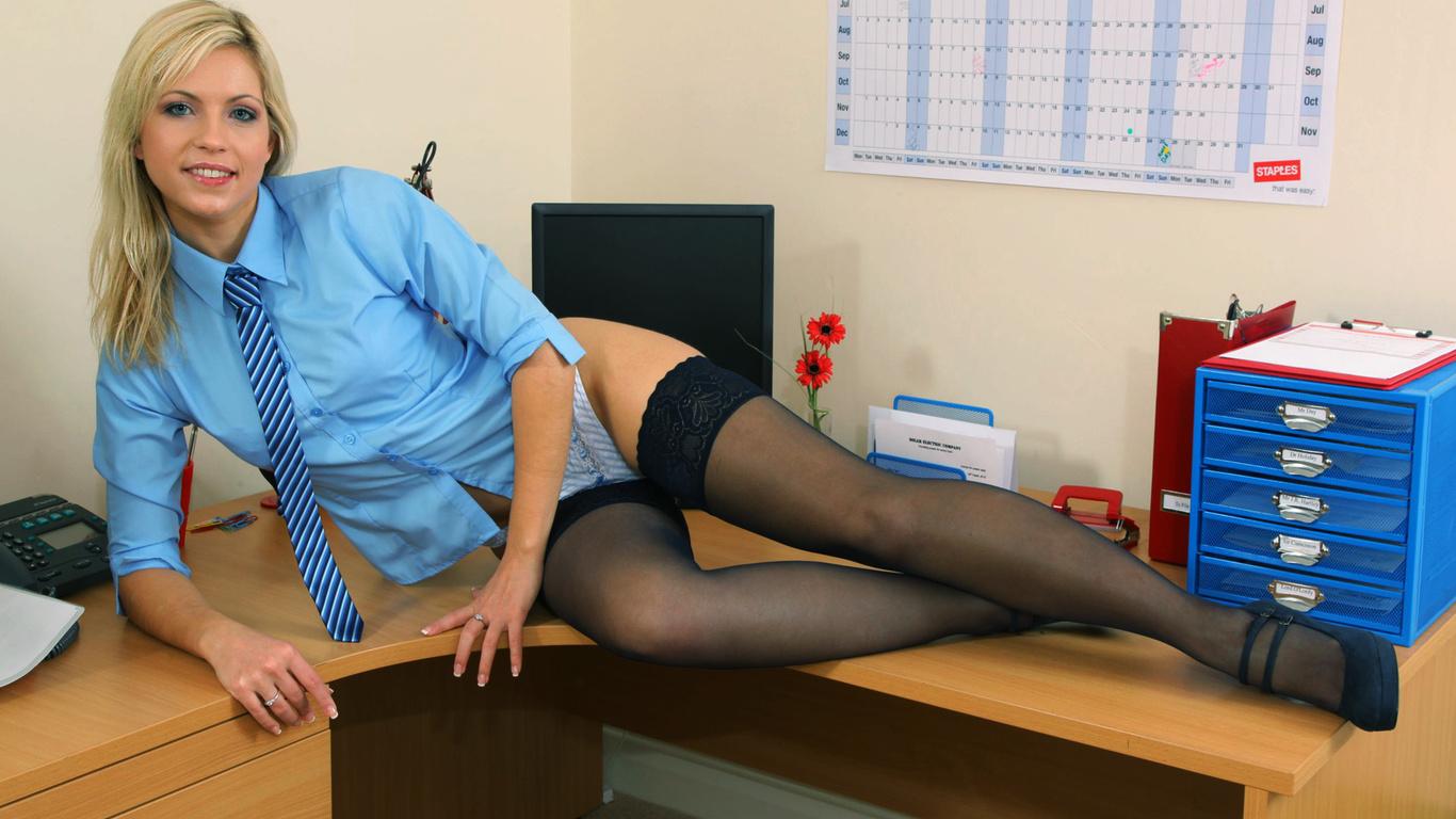 Секретарша её шеф 1 фотография