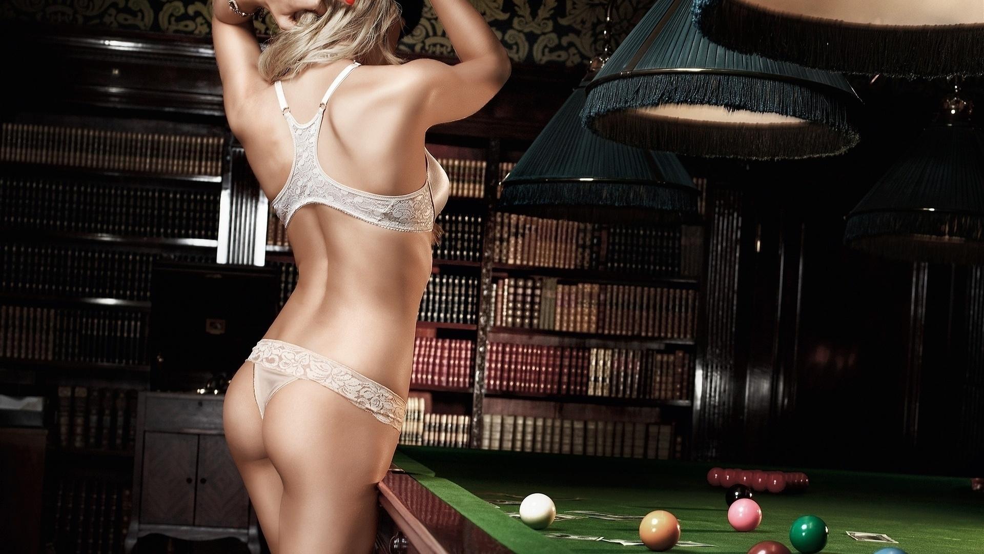 Саша грей на бильярдном столе 21 фотография