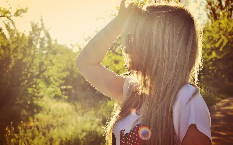 Фото на аву блондинка без лица